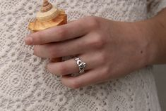 Unisex Silver Claddagh Ring UMS-6339 Silver Claddagh Ring, Claddagh Rings, Sterling Silver Rings, Beautiful Gift Boxes, Beautiful Rings, Left Ring Finger, Jewelry Auctions, Heart Face, Engraved Rings