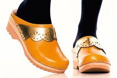 Klimt | Swedish clog in yellow & gold | Troentorp Clog Shop