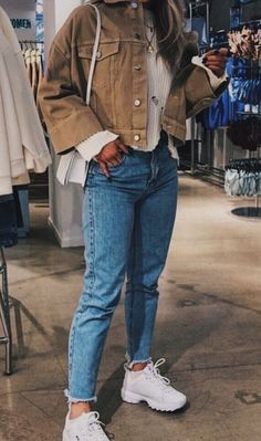 80 Cute Casual Winter Fashion Outfits For Teen Girl fashion # fashion Cute Casual Outfits, Retro Outfits, Vintage Outfits, Casual Jeans, Casual Shoes, Mode Ootd, Vetement Fashion, Mode Streetwear, Teenager Outfits
