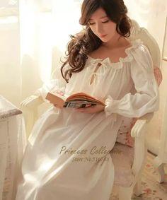 d0e363ad2 Frete Grátis 100% Algodão Princesa Camisola Branca Longa Pijamas negligee  Camisola Sleepwear Camisola Das Senhoras