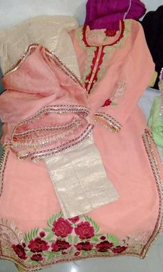 Indian Suits, Indian Attire, Indian Dresses, Indian Wear, Hand Work Embroidery, Embroidery Suits, Designer Punjabi Suits, Indian Designer Wear, Beautiful Suit