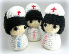 Este es un fichero pdf del patrón de ganchillo, no el elemento real ***    Estas enfermeras poco lindas te hará sentir mejor sólo con mirarlos. Las muñecas