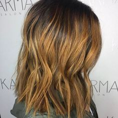 A combination of #balayage and #foiling = this gorgeous #butterscotch color. Want loose waves like this? Our 1 and 1  styling irons can help! Hair by @katie_karmasalon. TAG #usmooth for a chance to be featured on our page!