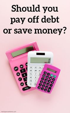 Should you pay off debt or save money? #payoffdebtorsavemoney #payoffdebt #moneymanagement Student Loan Repayment, Paying Off Student Loans, Ways To Save Money, Money Saving Tips, Money Tips, Bond Insurance, Emergency Binder, Money Safe, Mortgage Interest Rates
