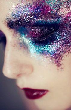 21 Galaxy Makeup Looks - Creative Makeup Ideas For Extraordinary Girls - Oni - 21 Galaxy Makeup Looks - Creative Makeup Ideas For Extraordinary Girls Random - Beauty Care, Beauty Makeup, Eye Makeup, Beauty Hacks, Hair Makeup, Diy Beauty, Beauty Guide, Glam Rock Makeup, Homemade Beauty