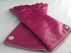 Google Image Result for http://imgs.inkfrog.com/pix/UncleDearest/Coach_Womens_Fuschia_Leather_Gloves.jpg