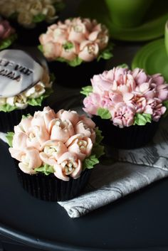 Mothers Day Cupcakes, Buttercream Icing, Chocolate Cupcakes, Baking, American, Flowers, Desserts, Food, Tailgate Desserts
