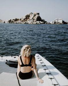 🌊 𝐂𝐀𝐓𝐀𝐌𝐀𝐑𝐀𝐍 Une superbe expérience cette matinée en catamaran grâce @bonifaciotourisme , j'ai pu découvrir l'île de Cavallo (île des milliardaires), la réserve naturelle des îles Lavezzi, j'ai plongé, sauté, nagé, fais du snorkelling et du paddle bref c'était génial 🤩 J'y retournerai bien la tout de suite 🤍 Belle soirée . . . Merci @clarafotomania pour ces jolie