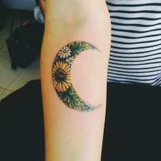 Pretty sunflower tattoo design ❤️️