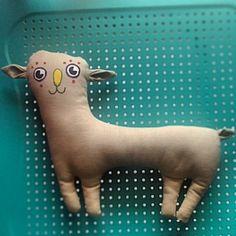 Nuovo FlupazZo quadrupede appena sfornato! #dog #softie. #plushie #cute #handmade #fattoamano #igersvarese #