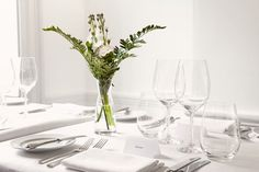 Table Lay Out Dublin Hotels, Private Dining Room, Dublin City, 4 Star Hotels, Car Parking, Front Desk, Hotel Offers, Townhouse, Glass Vase