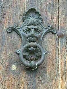 Door Knobs And Knockers, Portal, Door Trims, Door Accessories, Unique Doors, Antique Hardware, Iron Doors, Architectural Elements, Windows And Doors