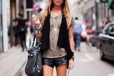 think I can find sumtin like this in my current wardrobe :) gonna try it