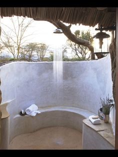 #outdoorbathroom #bathroom #stone