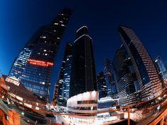 Вчера вечером прокатились по городу. Ну так по-быстрому :) Смотровая около сити не очень удобная ибо фиг запакуешься когда темнеет - толпа народу которые хотят сделать селфи на фоне небоскребов. Но зато удалось поснимать с #OlympusOMDEM10  #samyang75 . #городнеспит #architectures #buildingporn #architecturelovers #archilovers #buildings #architectureporn #architecturephotography #архитектурагорода #жизньвбольшомгороде #fisheye #fisheye_effect #fisheye_world #fisheye180 #fisheyecam…