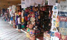 Mercado de artesanías Zona 13, ciudad.