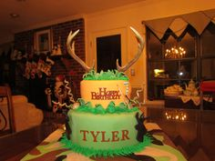 Hunting Cake with real antlers for topper!
