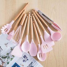 Pink Kitchen Appliances, Tidy Kitchen, Cute Kitchen, Copper Kitchen, Kitchen Sets, Kitchen Gadgets, Cooking Gadgets, Silicone Kitchen Utensils, Baking Utensils