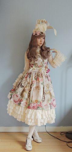 victorianme:     Head accessories & lace cape: handmade     Blouse: Baby the Stars Shine Bright     JSK: Juliette et Justine     Underskirt: Dear Celine     Shoes: Innocent World