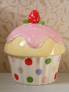 Cupcake Money Box/ bank (Gisela Graham) | Flickr - Photo Sharing!-- love the polka dots, you never see that