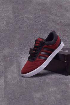 ae454b32a3a70 Adidas Casual Maroon Sneaker