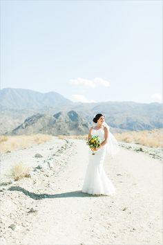 desert bride photo ideas @weddingchicks #lwedding #dress