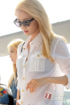 SNSD - Im YoonA (Blonde!) (I noticed the buttons of his shirt open)