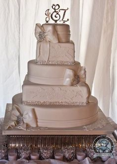 Fondant, Lace Wedding Cake – Gainesville | Dream Day Cakes