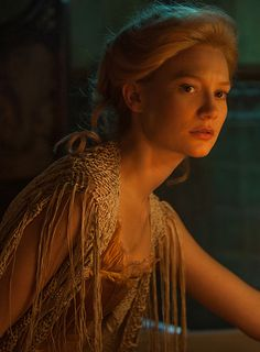 """Mia Wasikowska as Edith Cushing in Crimson Peak. """"She is independent and spirited and curious and self-willed and precocious and honest and open."""" —Tom Hiddleston [on Edith Cushing]. (Full size image: http://i.imgbox.com/Vd3lWPec.jpg)"""