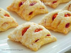 Welcome Home: Mini Cherry Lattice Danish Great Desserts, Dessert Recipes, Fun Cooking, Cooking Recipes, Welcome Home Blog, Jam Tarts, Savoury Baking, Coffee Cake, Cookie Decorating