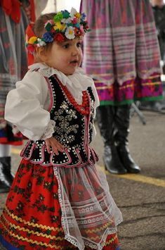 Polish Dancer costume - I remember my mom dressing me like this for Halloween one year We Are The World, People Of The World, Precious Children, Beautiful Children, Folk Costume, Costumes, Folk Clothing, Polish Clothing, Polish Embroidery