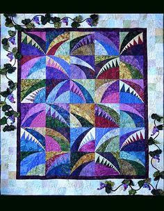 Metropatch Patchwork Society Raffles Quilt, Beauty on the Vine by Kathy Alexander and Beverley Hess.