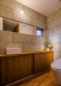 大谷石をアクセントに落ち着きある空間を演出#トイレ#大谷石#和モダン# 住宅#WABIKA#群馬#高崎