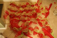 how to make mesh ribbon garland.. Perfect, just what I was looking for!!