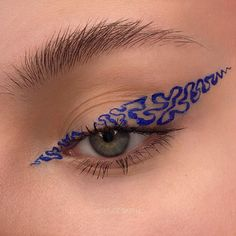 eyeshadow makeup to eyeshadow makeup for brown eyes makeup eyeshadow into slime makeup for brown eyes tutorial with no face makeup makeup blue makeup kit price revolution eyeshadow palette ulta Makeup Eye Looks, Eye Makeup Art, Blue Eye Makeup, Cute Makeup, Pretty Makeup, Skin Makeup, Eyeshadow Makeup, Foil Eyeshadow, Gray Eyeshadow