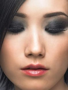 For the ladies with darker hair, opt for a dark smokey eye to match - just remember to blend!   www.epiqbeau.com