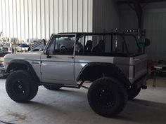 classiccarsmark.com images full 66-77-early-ford-bronco-vintage-bronco-rock-crawler-4x4-off-road-lockers-76-2.jpg