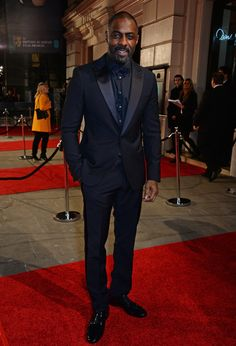 Idris Elba in Armani bei den BAFTA Awards in London