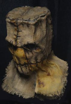 04c Scarecrow Mask, Halloween Costumes Scarecrow, Halloween Costume Contest, Halloween Projects, Diy Halloween Decorations, Scary Halloween, Frankenstein, Bird Wings Costume, Masque Halloween