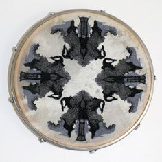 Psychic circle, broderie sur tambour,2013. http://www.celinetuloup.com/psychic.html