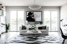 walk in closet decoración sueca decoración minimalista decoración interiores… Living Room Scandinavian, Modern Scandinavian Interior, Living Room Decor, Living Spaces, Gravity Home, Beautiful Home Designs, Apartment Living, Dressing, Interior Inspiration