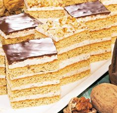 Foi cu suc de roşii Vanilla Cake, Desserts, Recipes, Food, Alternative, Mudpie, Tailgate Desserts, Deserts, Dessert