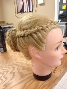 Ok i need one of these manequin heads cuz my sisters hate it when i try to practice new hair styles on thier heads