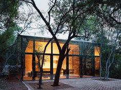 Mirrored Glass House in a Forested Hillside of Monterrey by Architect Tatiana Bilbao – Design. House Of Mirrors, Bilbao, Modern Glass House, Glass House Design, Residential Architecture, Modern Architecture, Design Weekend, House Ideas, House On Stilts