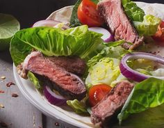 Loving me some of this steak with avocado & tomato salad! So hearty & fresh! Healthy Cooking, Healthy Snacks, Healthy Eating, Healthy Recipes, Dressing For Fruit Salad, Avocado Tomato Salad, Big Meals, Salad Ingredients, Yummy Food