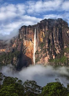 Paradise Falls from Up // Angel Falls in Venezuela