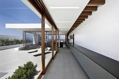Harborview Hills by Laidlaw Schultz Architects | Hypebeast Mobile