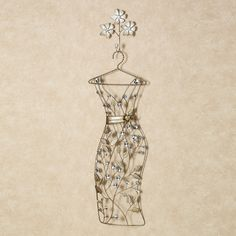 Wall décor Dress Form! Love the hanger with the added detail of the 3 flowers.