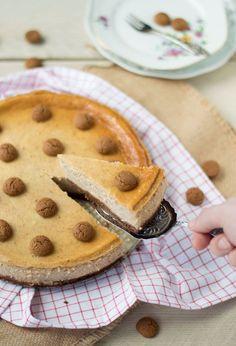 Het recept voor een WAANZINNIG lekkere pepernoten cheesecake! Maak deze taart tijdens sinterklaas, hier maak je namelijk echt vrienden mee ;) . Cakes And More, Cheesecakes, Apple Pie, Sweet Tooth, Food And Drink, Sweets, Snacks, Cookies, Desserts
