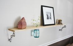 credit: theUncommonGreen [http://www.theuncommongreen.com/collections/walls/products/loft-mason-shelf]